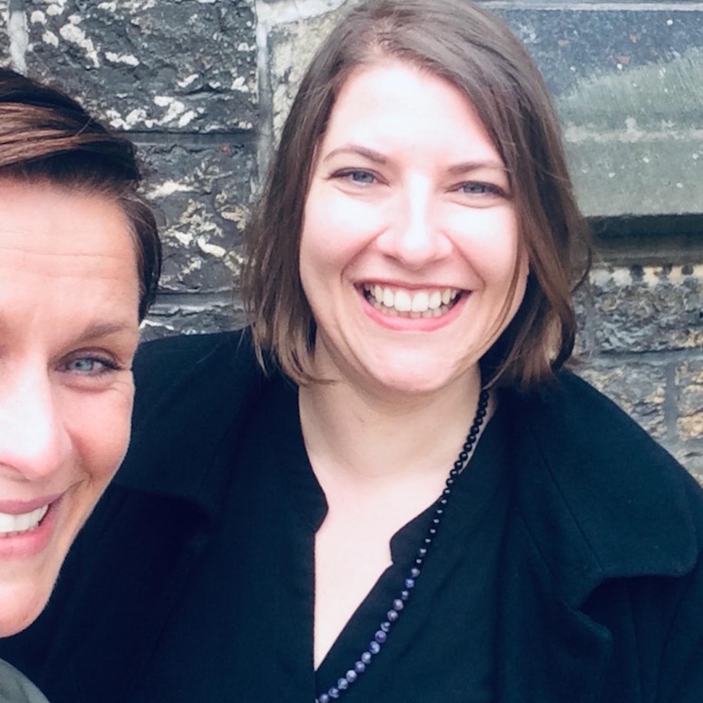 Sarah Schäfer (mehrgutezeit)und Christina Scheuer Selfie für inechtjetzt Podcast